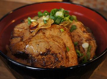 丼ぶり屋 幸丼 Asian kitchen 大森海岸駅前店(FC店)の店舗画像