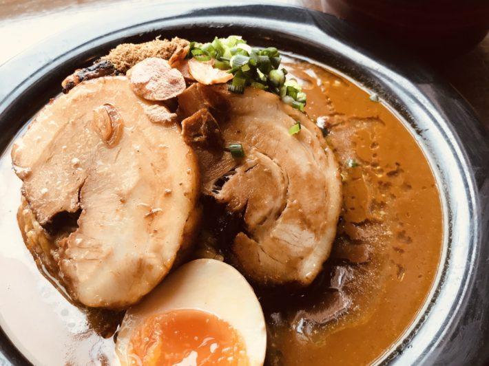 幸丼焼豚カレー+味噌汁付き